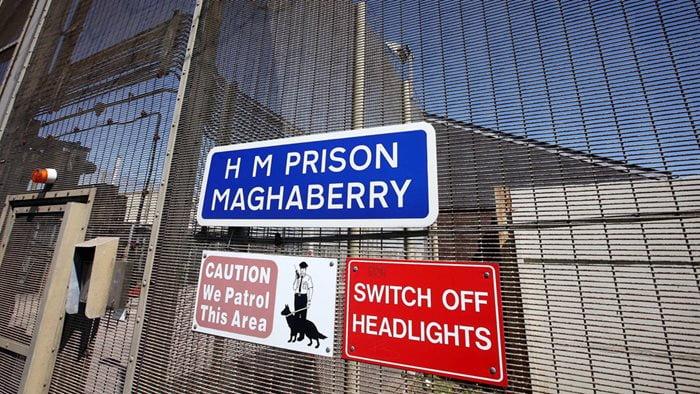 'Missed opportunities' to diagnose prisoner's tumour
